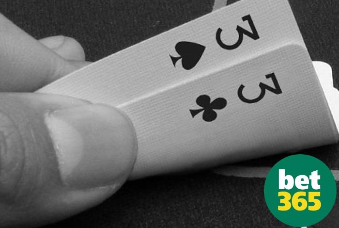 Покер-рум bet365 еженедельно дарит €5 за карманные двойки и тройки