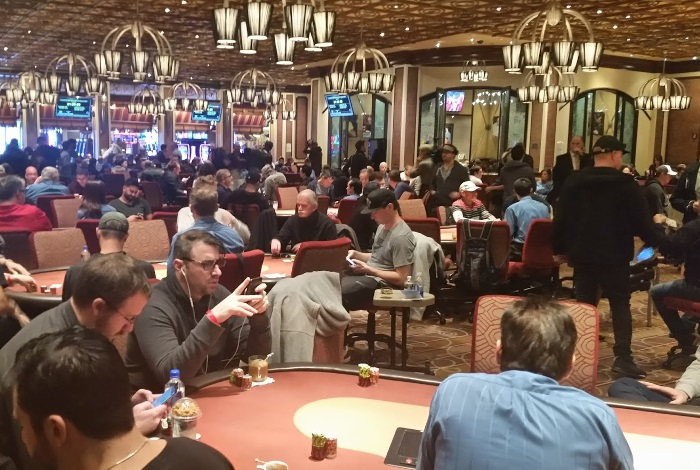 Казино Лас-Вегаса ограничат покерные столы до 4 игроков